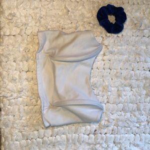 Large white crop top+ Scrunchie